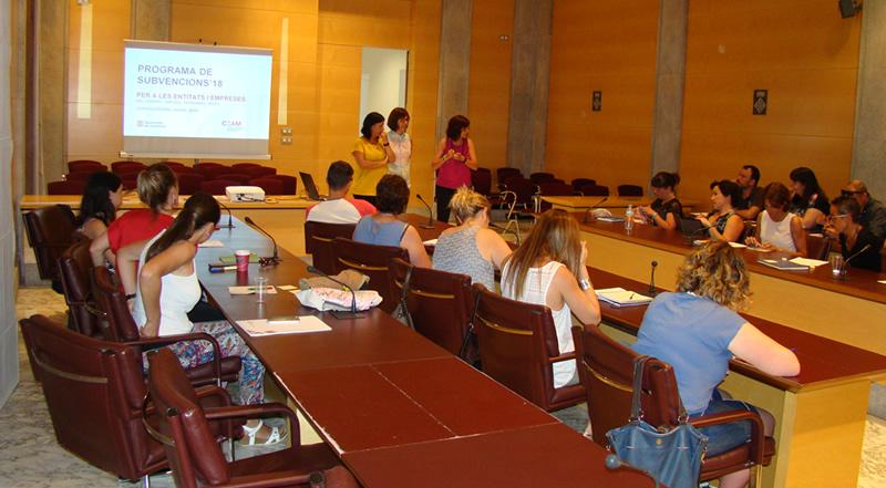 Els ajuts de comerç de la Generalitat es presenten a la Diputació
